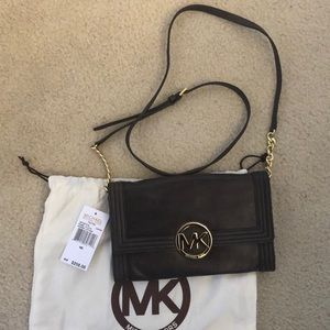 🔥NWT Michael Kors brown leather gold chain accent